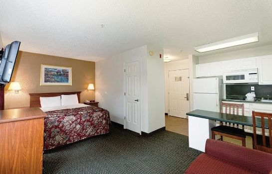 Standard room InTown Suites Fort Myers