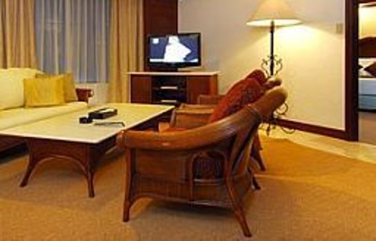 Suite Waterfront Airport Hotel & Casino
