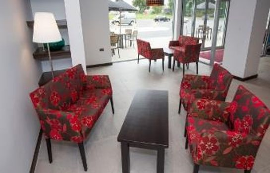 Vestíbulo del hotel Ramada Milton Keynes East M1 Welcome Break Service Area