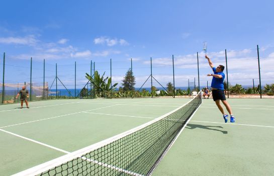 Tennis court Hotel Diamante Suites