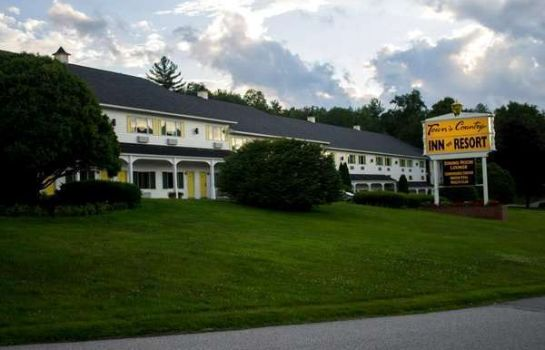 Buitenaanzicht TOWN AND COUNTRY INN  RESORT