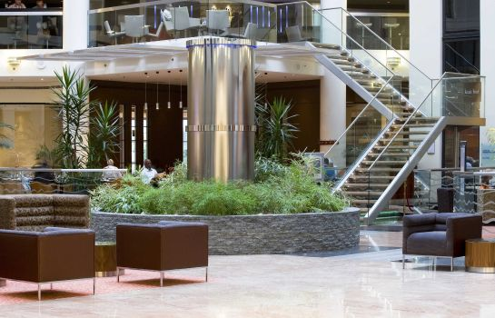 Hall Sofitel London Gatwick