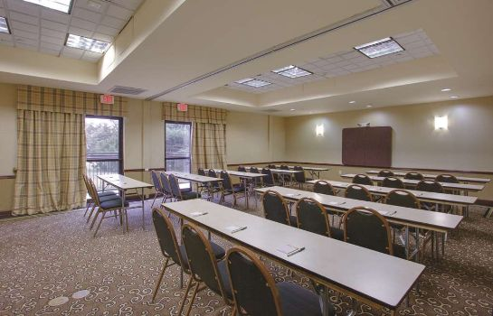 Conference room La Quinta Inn Ste Newark Elkton