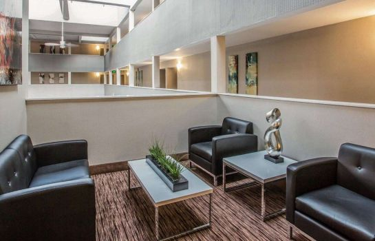 Hall Quality Suites Nashville Airport