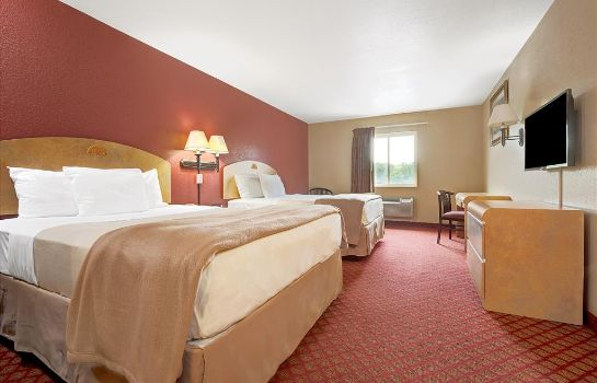 Zimmer DAYS INN & SUITES NIAGARA FALL