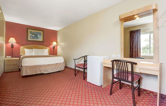 Zimmer Days Inn & Suites by Wyndham Niagara Falls/Buffalo