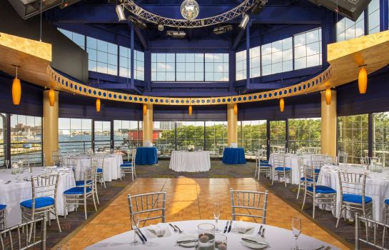 Restaurant Pier 5 Hotel Baltimore Curio Collection by Hilton