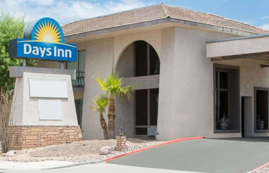 Exterior view Days Inn Lake Havasu