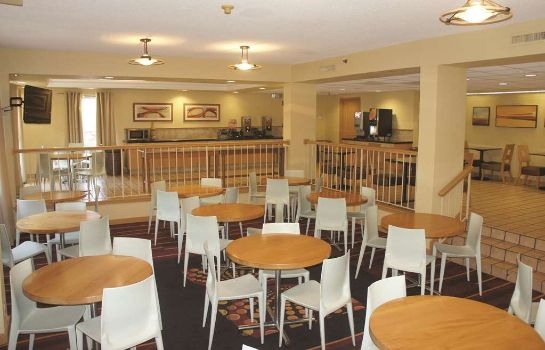 Hotelhalle La Quinta Inn and Suites Myrtle Beach - N. Kings Hwy