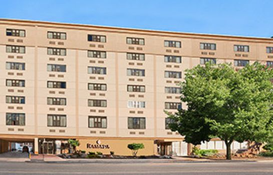 Außenansicht RAMADA EAST ORANGE
