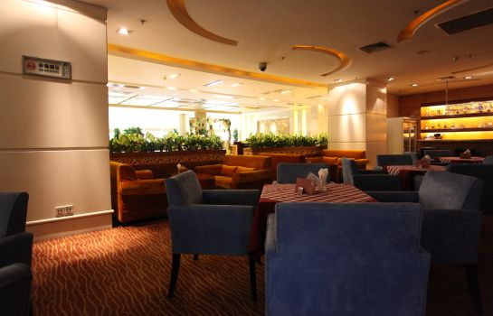 Hotel bar Ramada Plaza