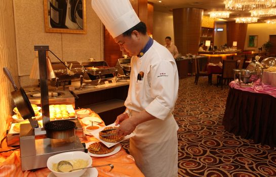 Breakfast buffet Ramada Plaza