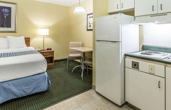 Zimmer Suburban Extended Stay Hotel Fort Myers