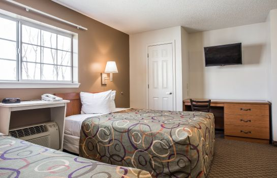 Kamers Home-Towne Suites Concord