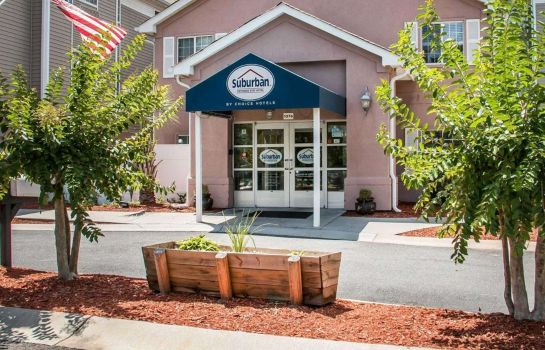 Exterior view Suburban Extended Stay Hilton Head