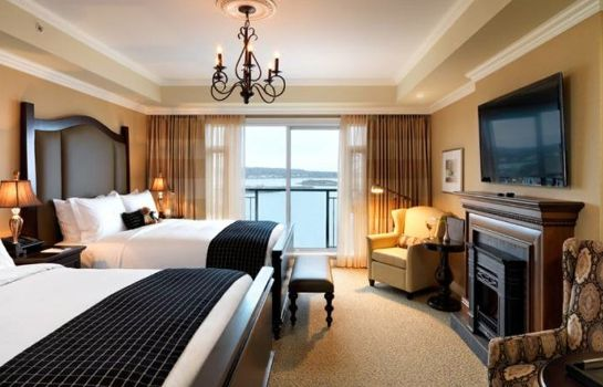Suite Oak Bay Beach Hotel