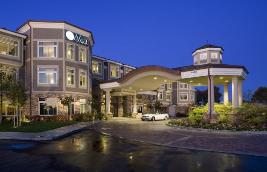 Exterior view WEST INN AND SUITES
