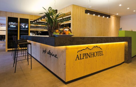 Reception Alpinhotel Keil