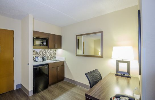 Info Holiday Inn Express & Suites AUSTIN AIRPORT