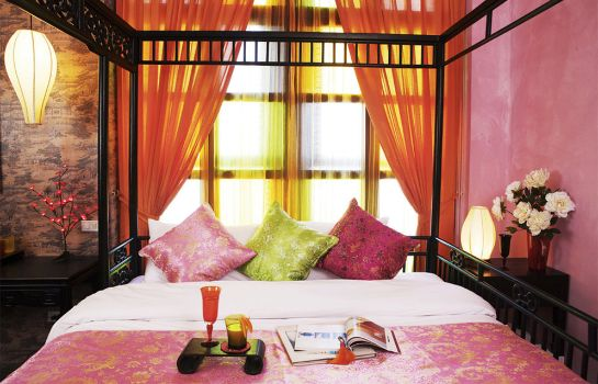 Double room (standard) Shanghai Mansion Bangkok