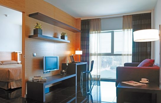 Suite NH Barcelona Fira Suites