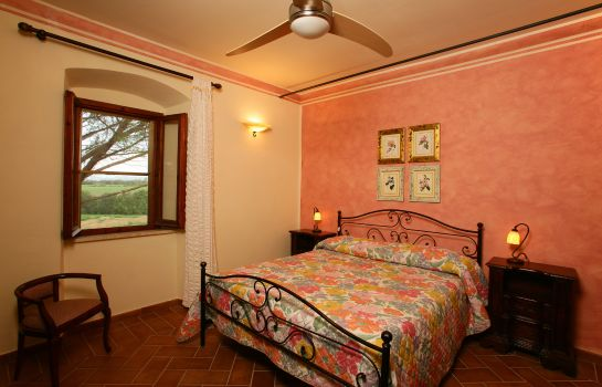 Double room (standard) Fattoria Le Guardiole Country Villas