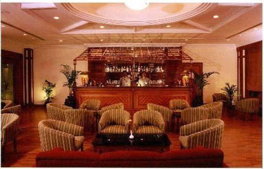 Hotel bar KATRIYA HOTEL AND TOWERS HYDERABAD