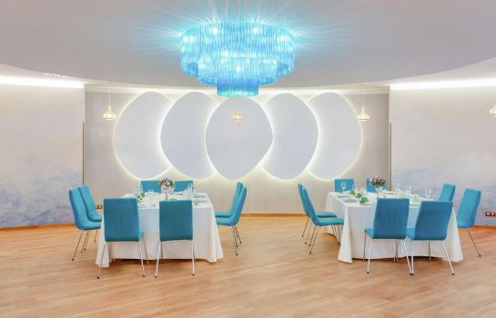 Restaurant DoubleTree by Hilton Hotel Cluj ? City Plaza