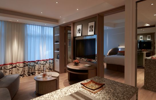 Suite Lanson Place