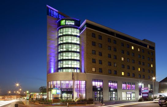 Vista esterna Holiday Inn Express LONDON - NEWBURY PARK
