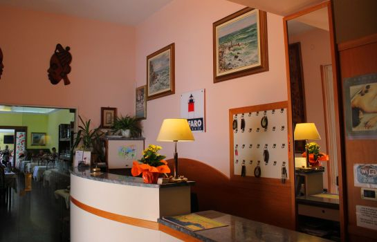 Empfang Hotel delle Rose