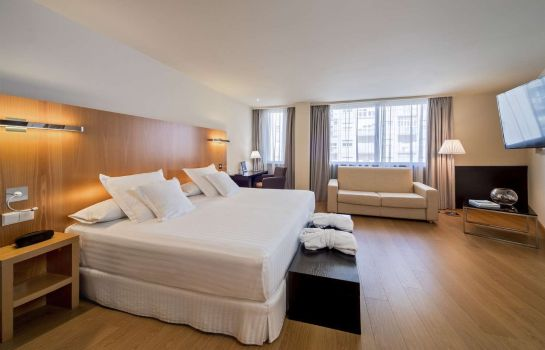 Suite Occidental Cadiz by Barceló Hotel Group
