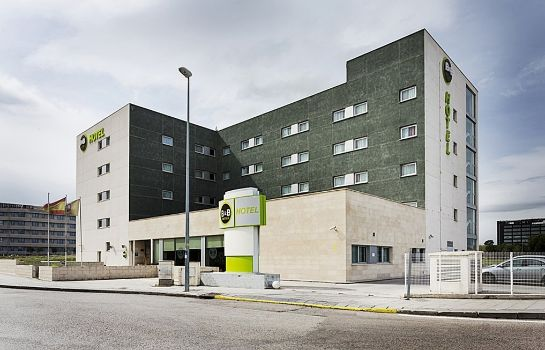 Exterior view B&B HOTEL MADRID AIRPORT T1 T2 T3