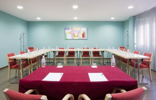 Meeting room B&B Madrid Airport T1 T2 T3