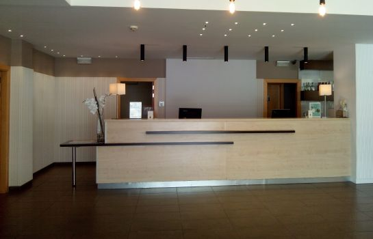Reception B&B Madrid Airport T1 T2 T3