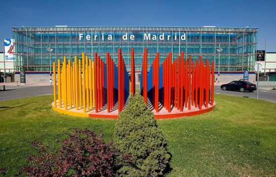 Terrace B&B Madrid Airport T1 T2 T3