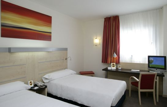 Double room (standard) B&B Madrid Airport T1 T2 T3