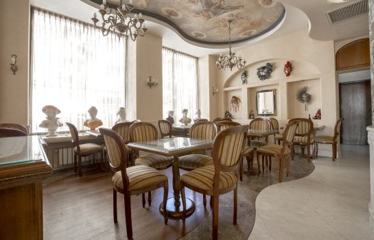 Restaurant Venezia by Zeus International