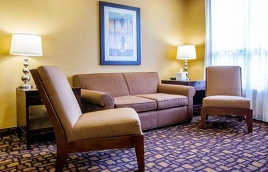 Hall Comfort Inn & Suites adj to Akwesasne Mohawk Casino