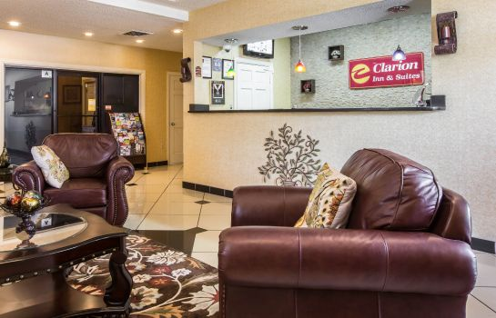 Hotelhalle Quality Inn and Suites Greenville - Hayw