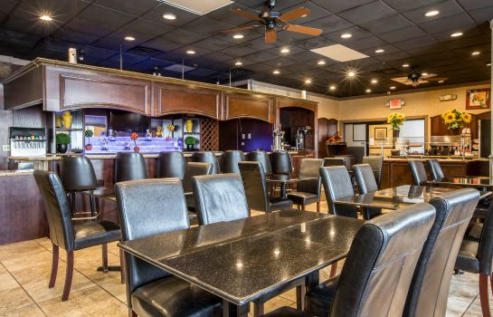 Restaurant Quality Inn and Suites Haywood Mall Area