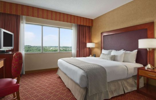 Room Embassy Suites by Hilton Charlotte-Concord-Golf Resort - Spa