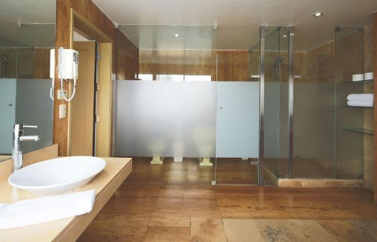 Bathroom San Agustin Exclusive Hotel