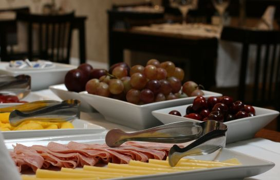 Breakfast buffet 248 Finisterra Hotel Boutique Argentino