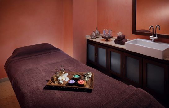 Massage room MOVENPICK KUWAIT AL BIDAA