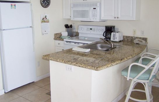 Kitchen in room Boca Ciega Resort