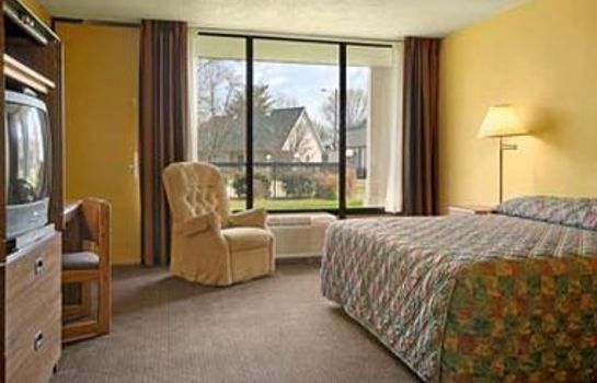 Room Ramada-Morristown TN