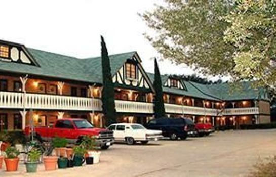 Buitenaanzicht EDELWEISS INN AND SUITES