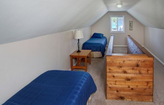 Standard room Inn at Haystack Rock