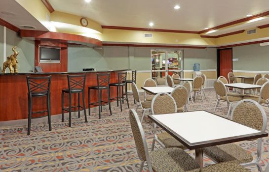 Hotel-Bar Holiday Inn Express & Suites BAKERSFIELD CENTRAL